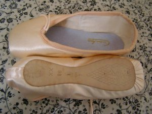 Gamba 93 pointe shoe