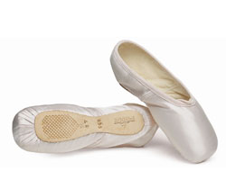 Freddy pointe shoes 908