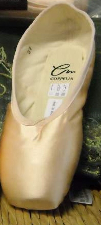 Italian pointe shoe brand Coppelia