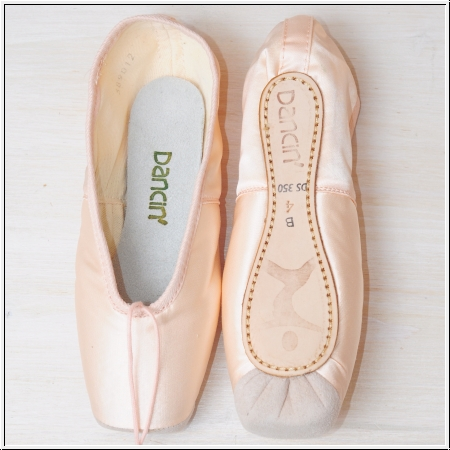 Dancin pointe shoes