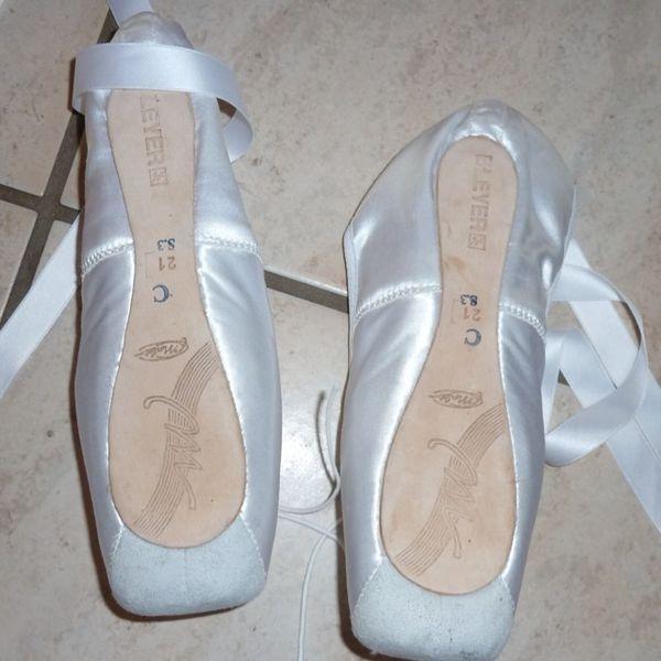 Custom Made Pointe Shoes Uk