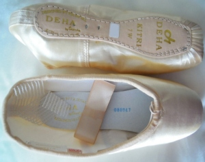Deha stamp on Sansha shoe