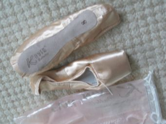 Kevin Balletto pointe shoes