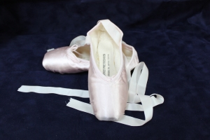 Sogei Pre-Toe pointe shoes