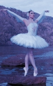 Ballerina wearing Siberian Swan pointe shoes