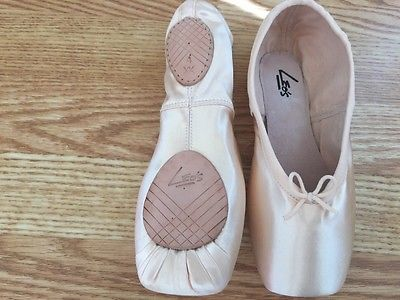 Leo's Split Sole Pointe Shoes