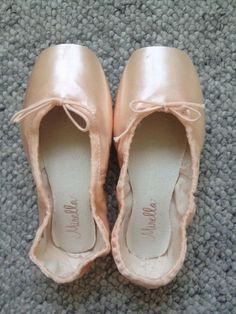 Mirella Pointe Shoes
